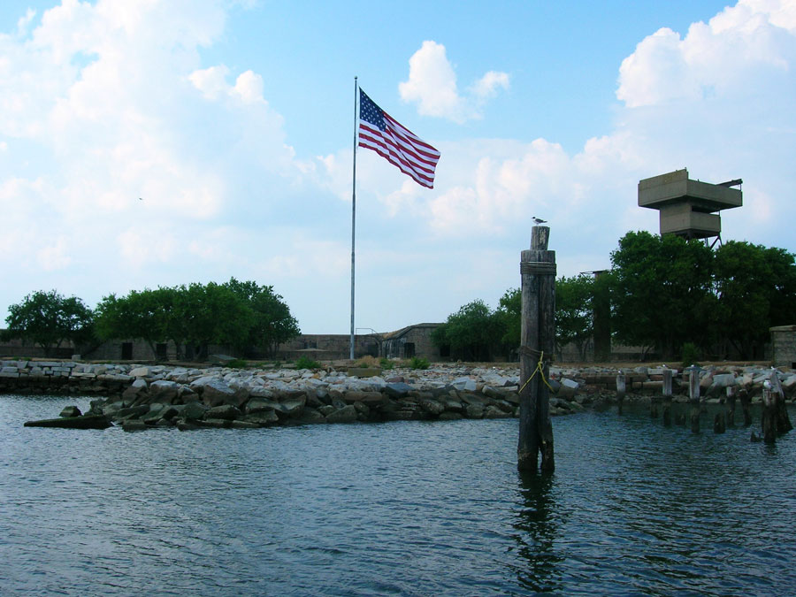 Forts, Flotilla and Fun on the Chesapeake Bay title=
